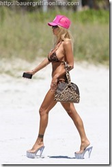 Shauna_Sand_on_beach