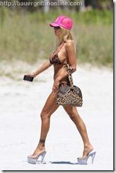 Shauna_Sand_on_beach