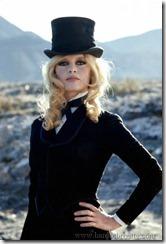 Brigitte Bardot top hat