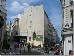 Blanc Vertical garden Paris