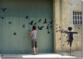 Bird spreader by Pejac