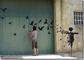 Bird spreader by Pejac
