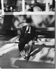 Willy Ronis - Homme Sur un Banc