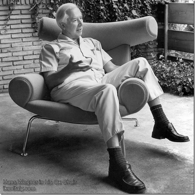 Hans Wegner in his Ox Chair